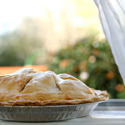 Hot baked apple pie 1000px